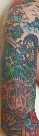 Mattias i Älvängen har många tatueringar. Bland dem finns Highland Cattle-kon Olga.