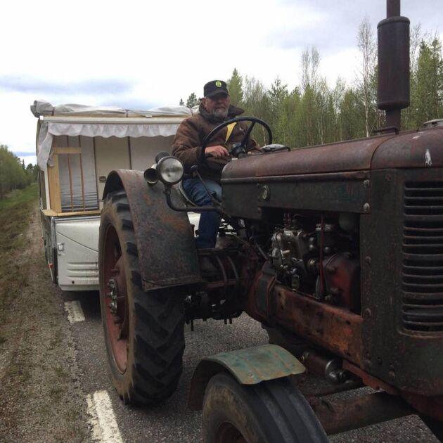 Åke Larsson, 69, som skulle köra till Nordkap har tvingats vända på läkares inrådan.