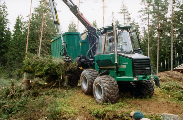 Skogsproduktionen är i gång igen, men under sommaren stod den stilla på grund torkan.