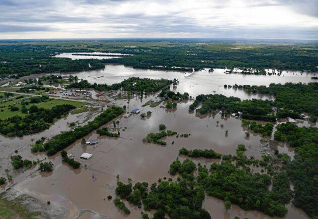 Flygbild tagen 22 maj över den översvämmande Arkansasfloden i närheten av Tulsa i delstaten Oklahoma.