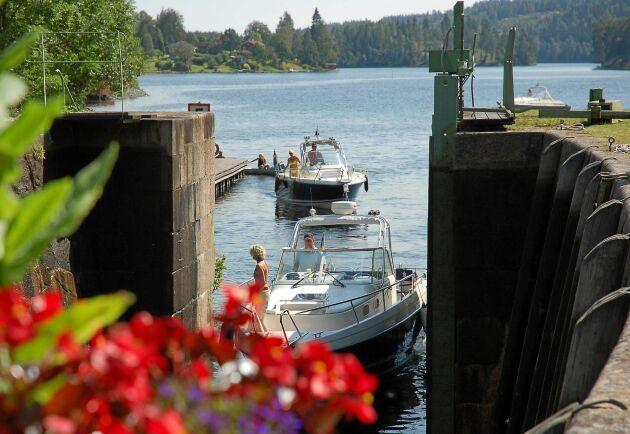 Dalslands kanal består av 17 slusstationer och 31 slussar.