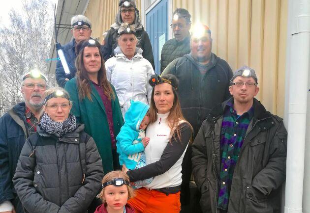 Pannlampsprotesten hjälpte inte. Skolgruppen i Ramsberg fick i måndags bevittna hur kommunfullmäktige sade ja till nedläggning av Ramshyttans skola.