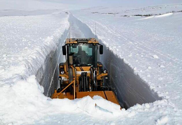 Flera meter snö vid Hamptjärn.