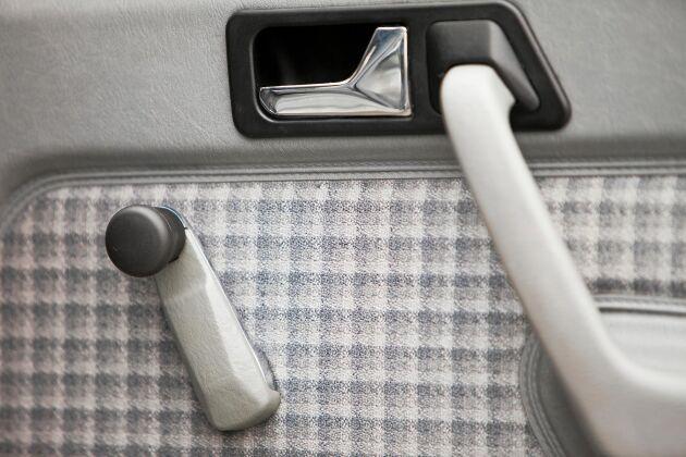 Fönstervev var standard i alla bilar för några decennier sedan.