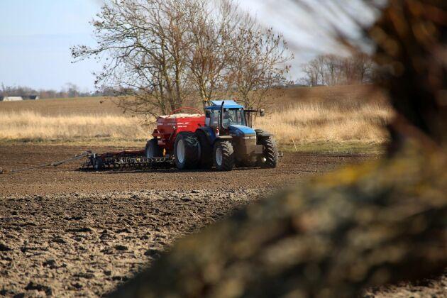 Vårbruket är på gång på många ställen i landet.