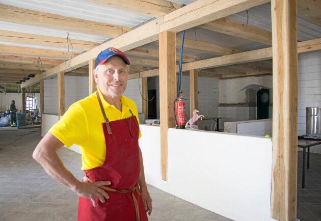 Per Brunberg har satsat tre miljoner kronor på en ny mejeri- och produktionsanläggning som ska stå klar inom kort.