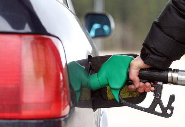 Riktpriset för diesel har nu passerat 16-kronorsgränsen.