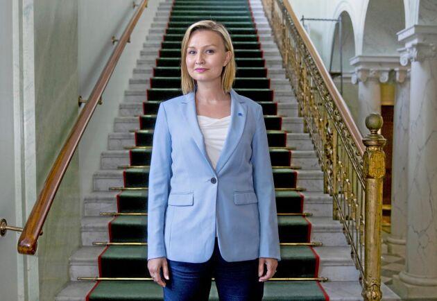– Regeringen försvårar kraftigt för landsbygden när den kommer med skattehöjningar på arbete eller hot som vägslitageavgifter, menar Ebba Busch Thor, partiledare för Kristdemokraterna.