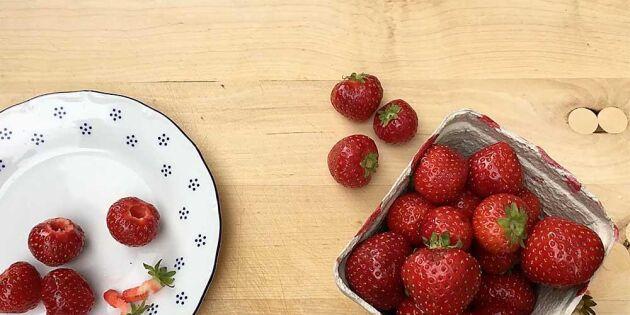 Smartaste tricket! Rensa jordgubbar utan kladd