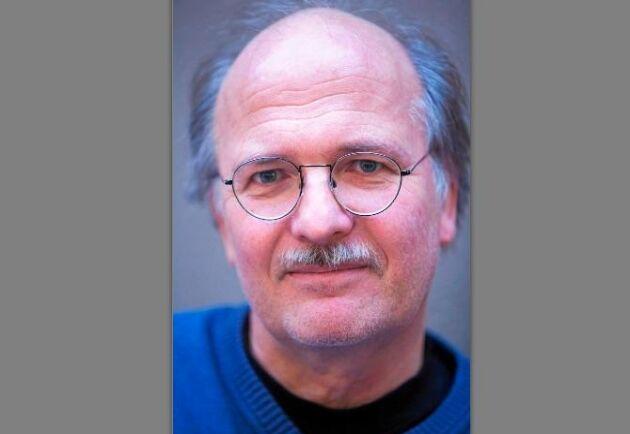 Stefan Jansson, professor vid Umeå universitet, forskar om asp och har bland annat undersökt vad som styr aspens höstfärger.
