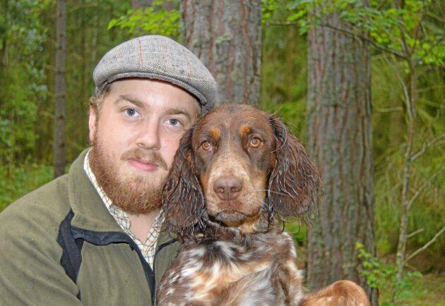 Det är Skogsmästarutbildningens bredd som fångat Tomas Svarvares intresse. – Jag tror att skogen är en väldigt bra bransch att satsa på, säger han.