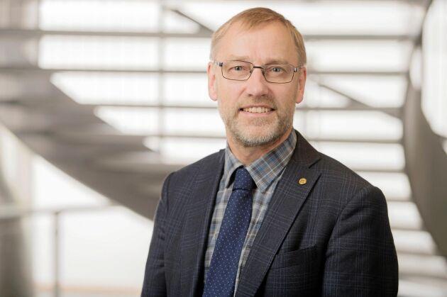 Paul Christensson fick svara snabbt på om han kunde tänka sig en plats i LRF:s riksförbundsstyrelse.