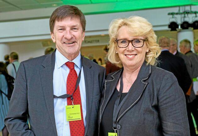 """Södras styrelseordförande Lena Ek har hela tiden stått bakom VD Lars Idermark och hans sidouppdrag som styrelseordförande för Swedbank. """"""""Han sköter sitt jobb utmärkt"""", sa hon veckan innan Lars Idermark själv valde att lämna ordförandeposten i Swedbank."""
