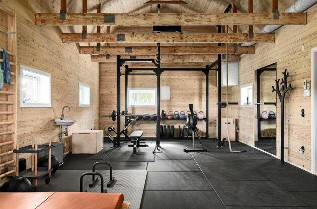 Gymmet ligger i en egen byggnad.