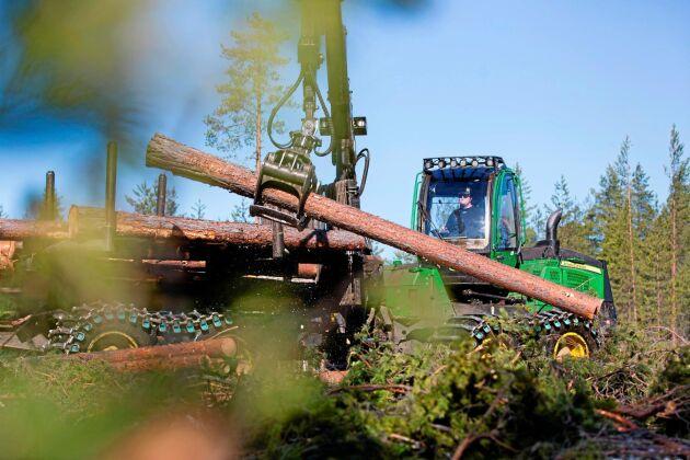Sveaskog ska hantera skogsvård, avverkning och virke åt Gysinge Skog.
