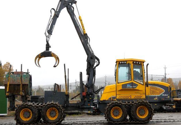 En av Vallsta Skogsmaskiners åtta Eco-Logmaskiner. Sammanlagt har de 30 maskiner för allt från markberedning till slutavverkning.