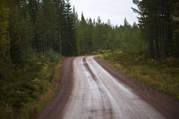 Pengarna avsätts bland annat till att förbättra vägar på landsbygden.