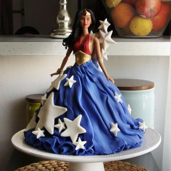 wonderwoman-tarta