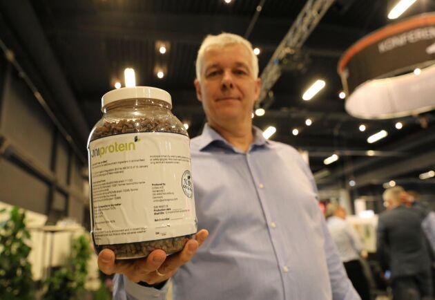Arne Ringsing, produktchef på Danish Agro utvecklar ett foder som bygger på bakterier som matas med metangas.