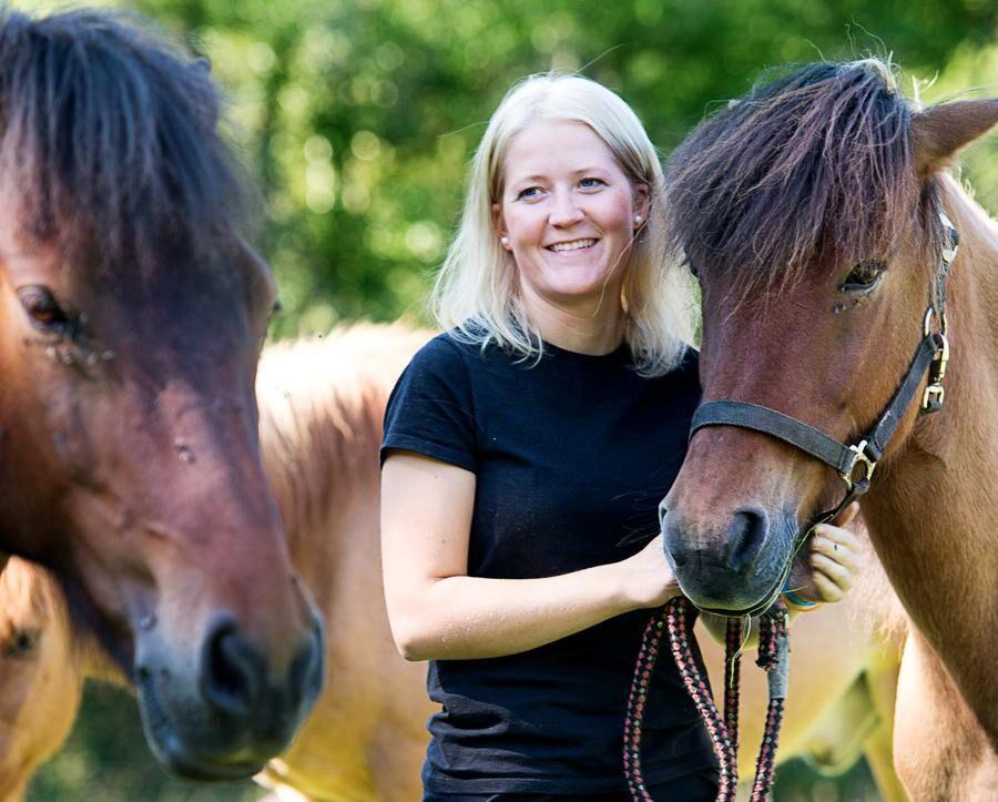Land.se skriver om Hanna Ulfsbecker som köpte egen gård när hon var 21.