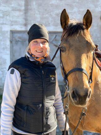 Lisa Engsrone är hästföretagare på Gotland. Hennes företag drabbas hårt av coronakrisen.