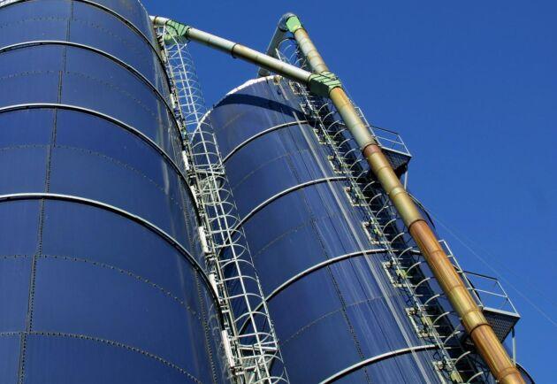 Bland annat klättring i träd och silos får nytt krav på tjänstbarhetsbedömning.