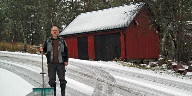 30 bilkrascher vid hans hus – inga åtgärder från Trafikverket