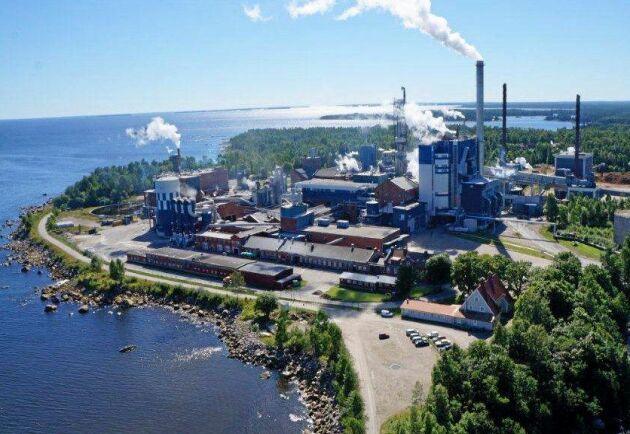 I Rottneros AB ingår dotterbolagen Vallviks Bruk AB (bilden) samt Rottneros Bruk AB.