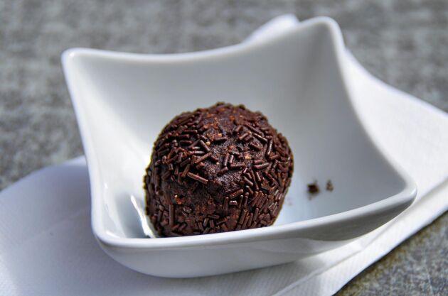 Arraksbollen är chokladbollens lite mognare kusin.