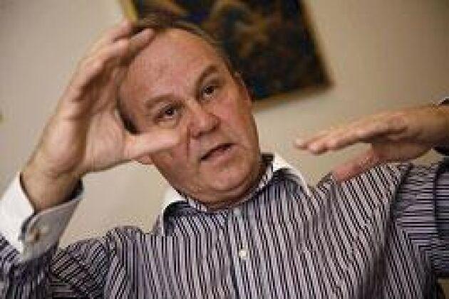 Den starka svenska kronan tvingar Scans vd Denis Mattsson att importera kött till charktillverkningen. Foto: Ann Lindén