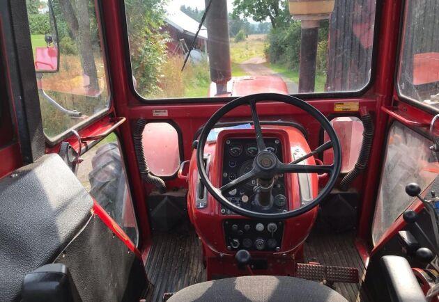 Traktorn har bland annat fungerande Volvo originalradio.