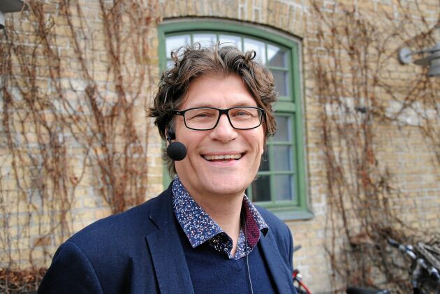 """""""Jag vill bo någonstans där jag har kontroll över hur olika system fungerar. I vårt land fungerar det bra men det kan snart komma en tid då det börjar hacka"""", säger Mats Eliasson och nämner SVT:s program Nedsläckt land som en varningsklocka."""
