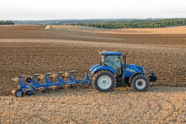 Överum ska ny fart i och med att CNH Industrial vill bli världsledande inom jordbearbetning och sådd.