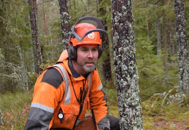 Det känns ödesmättat att säga att min framtid hänger på skogstjänstemannens kunskap och samarbetsvillighet, så det krävs uppryckning. Det skriver Erik Hjärtfors i sin krönika.