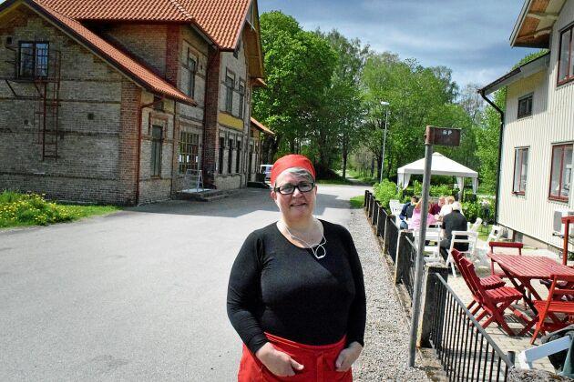 Paula Engström bestämde sig för att satsa på Mammas Mat och det har blivit en succé i halländska Landeryd. Restaurangen ligger i det hus som en gång i tiden var lanthandel.
