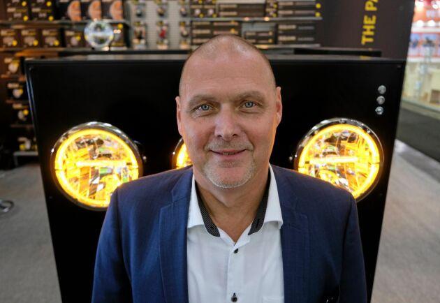 Trendigt. Dan Samuelsson på Strands Fordonskomponenter ser ett tydligt intresse från kunderna att designa med LED-lampor.