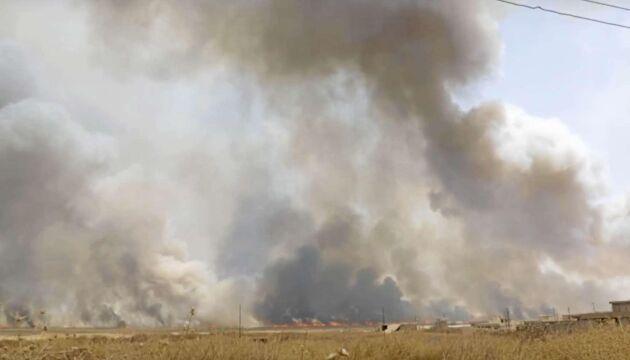 Den amerikanska nyhetsorganisationen PBS, Public Broadcasting Service, har kartlagt bränderna i norra Irak vecka och gjort dussintals intervjuer på plats i norra Irak.