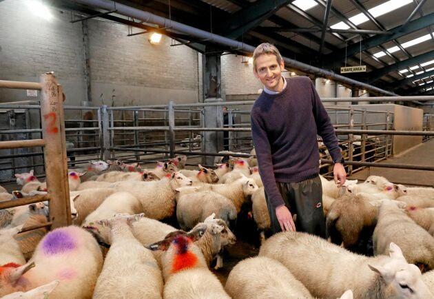 James Johnston driver Ulsters Farmers Mart i Enniskillen. Han röstade för att Storbritannien skulle lämna EU i folkomröstningen 2016.