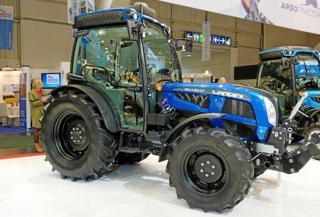 Landini REX 4-120 GT är en traktor som ger ett smalt avtryck, knappt 1,5 meter.