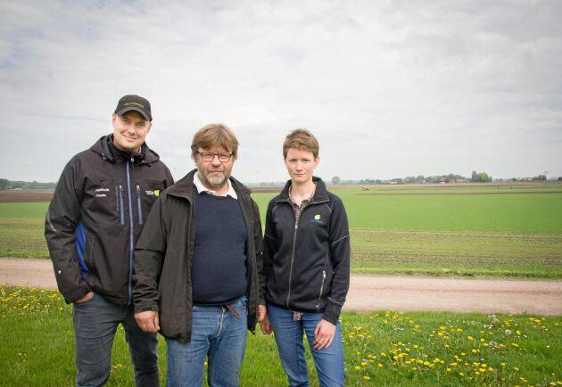 Kristoffer Gustafsson, Stefan Lundmark och Ida Lindell ska bygga upp ett nytt center för bevattningsfrågor på Hushållningssällskapets försöksgård utanför Kristianstad. Vatten och bevattning är viktiga framtidsfrågor för det svenska lantbruket, menar de.