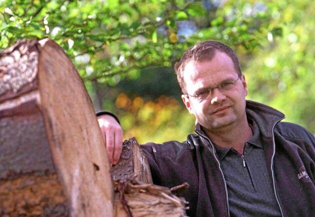 – Se skogsbruksplanen som en affärsplan, och behåll kassaflödet. Det rådet ger Jimmy Larsson, LRF Konsult, när lönsamheten för skogsgårdarna faller.
