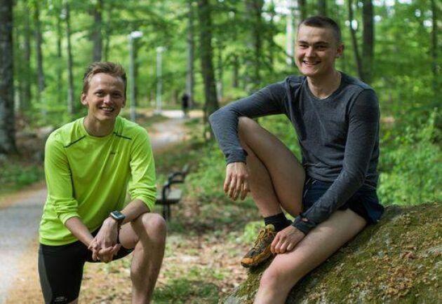 Oskar Jensen och Philip Persson har testat 313 motionsspår i Sverige och rankat de hundra bästa. Foto: Pressbild.