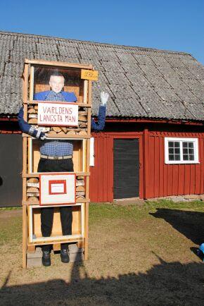 Cirkusen har även fått besök av världens längsta man i naturlig storlek.
