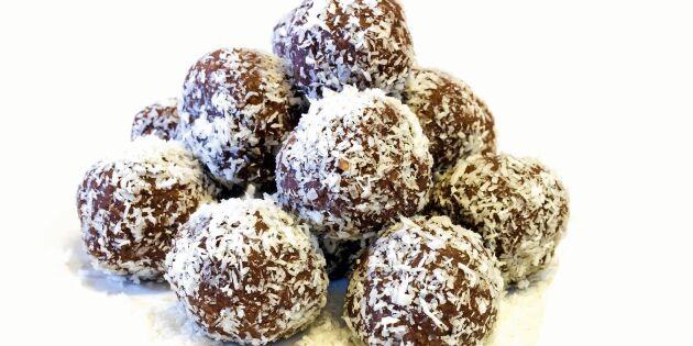 Sockerfria chokladbollar på banan och havregryn
