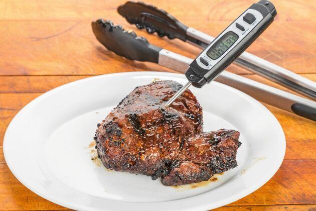En bra stektermometer kan användas till att kolla innertemperaturen på kött, fisk och fågel, men även vid brödbak. Bra investering, med andra ord!