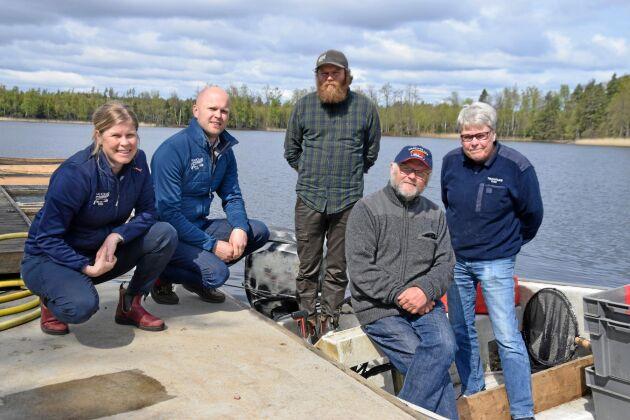 Hela familjen är involverad i Tiraholms Fisk. Från vänster: Malin, Jens, Jonas, Nils och Vicky Ekwall.