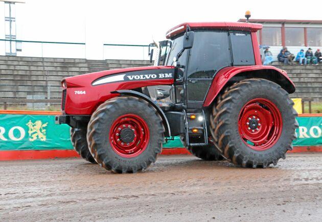 SE MER I BILDSPEL. Så här tror Olssons i Ellös att en Volvo BM kunde ha sett ut om de fortsatt tillverka traktorer.