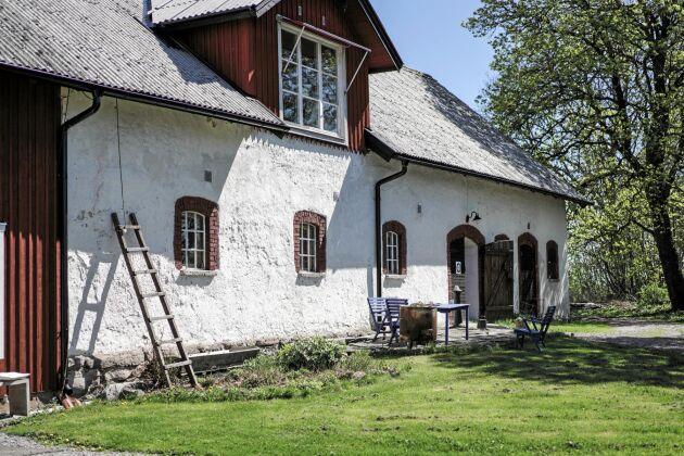 Qvänum Mat & Malts bryggeri och bränneri huserar i ladugården på Gategården strax utanför Kvänum.
