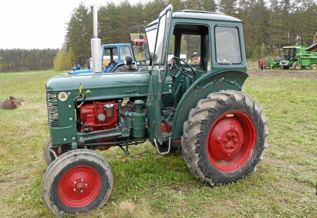 Traktorn BM 230 Victor som kom ut på marknaden 1955 blev basen i skogsmaskinen Bamse vilken lanserades ett par år senare än traktorn.