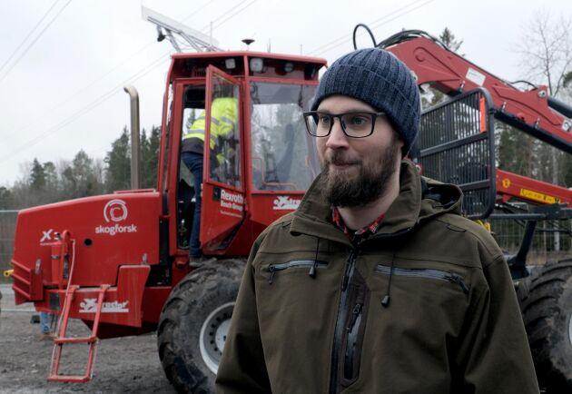Gustav Sten, doktorand på KTH, deltog i SkogForsks projekt med en självkörande skotare.